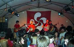 Actuación de Trikitizioa en la Euskal Jai de Ginebra (foto PEB)
