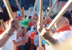 Dantzaris en las Fiestas Vascas de una edición anterior (foto Grandcolombier)