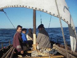 La expedición Apaizac Obeto, compuesta por vascos y Miq'mak revivió los aventuras euskaldunes en la costa de Canadá (foto Albaola.com)
