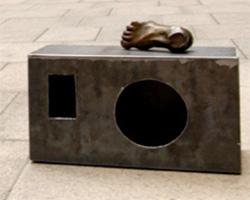 Anita Glestak bihar NYeko kaleetan inauguratuko duen instalazioan izango diren eskulturetako bat