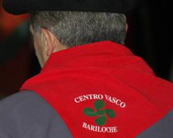Iazko jaialdian parte hartu zuen Euskal Etxeko kide bat (argazkia BarilocheEE)