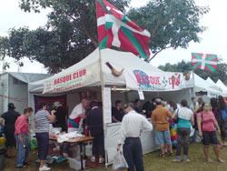 Townsvilleko Euskal Etxeak bertako 'Cultural Fest' delako azokan ipini zuen stand-aren ikuspegia