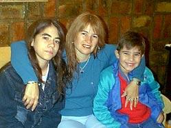 Chacoko María Ofelia Mozzati abokatua, 2006ko CISCE ikastaroko kidea, Mariana eta Iñaki seme-alabekin