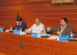 Luis de Llera, Jose Angel Ascunce eta Manuel Aznar Soler Erbesteari buruzko 8. Mintegian (argazkia Hamaika Bide)