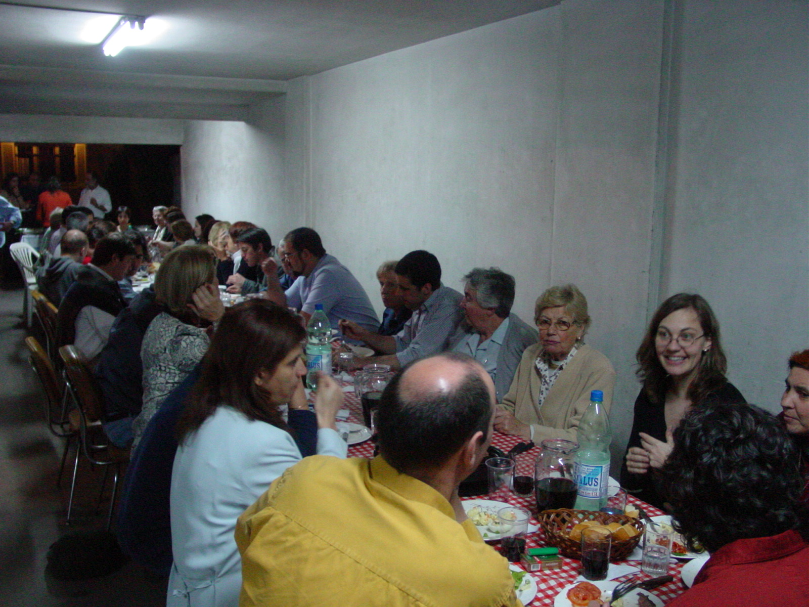 After a working day on Basque Studies, gathering and dinner at the headquarters of Haize Hegoa in Montevideo (photo EuskalKultura.com)