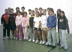 Euzko Etxeak eta River Plate taldeek 2006ko ekainean jokatutako FMP txapelketan parte hartu zuten kideak (argazkia Elpelotari.com)