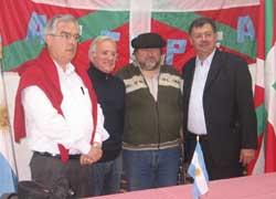 General Rodriguezeko 'Eusko Aterpea' Euskal Etxea bisitatu zuten partaideek instalazioak eta bertan burutzen ari diren lanak ikusi ahal izan zituzten