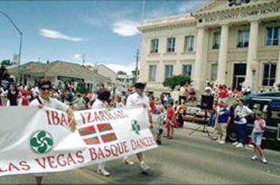 Las Vegas-eko euskal ordezkaritza Elkoko Basque National Festivalen (argazkia EuskalKultura.com)
