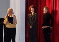Entrega de premios de la edición 2006: Norma Gladys Clinet, con el primer premio, y Pilar López, segundo