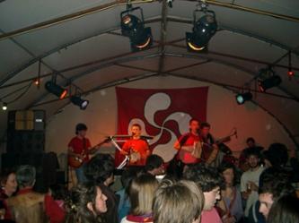 El grupo Trikizio en un concierto ofrecido en Ginebra (Suiza)