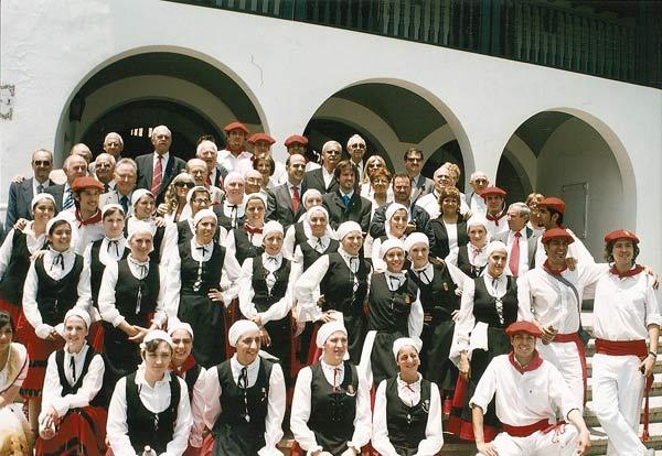 Txileko Santiagon 2008ko abenduaren 4tik 7ra eginiko Amerikako Nafar Etxeen I. Kongresura bildutako ordezkari eta partaideak