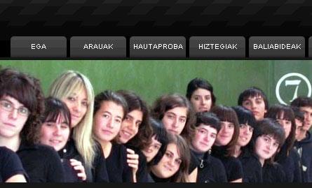 Algunos de los estudiantes que componen EuskalJakintza