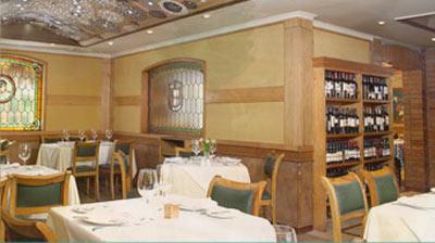 Interior of the Pinpilinpausha restaurant