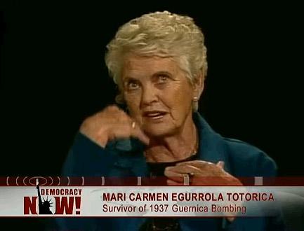 Mari Carmen Egurrola Totorica, elkarrizketaren une batean (argazkia democracynow.org)