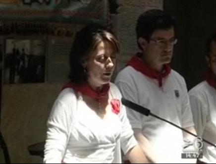 Imagen de la alcaldesa Yolanda Barcina durante la recepción ayer domingo a representantes de las ciudades hermanadas con Iruña-Pamplona (foto Canal6)