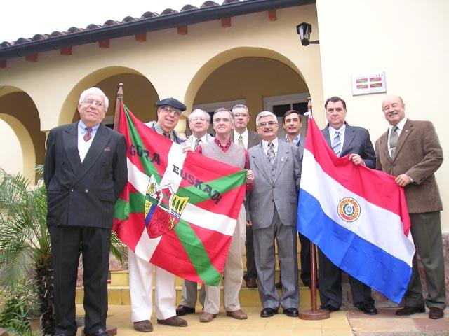 Asunción-go Euskal Etxeko Zuzendaritza Batzordeko kideak 2008an sartu zirenean