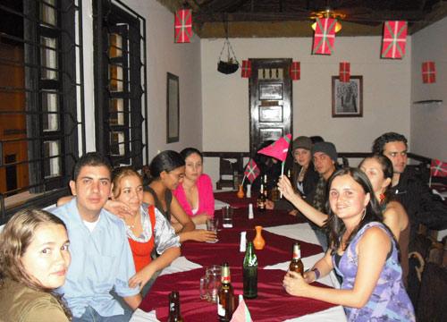 Vista parcial de la celebración del quinto aniversario, el pasado día 14 de noviembre, en el restaurante Portón del Sur de Medellín, con cine, música y gastronomía vasca