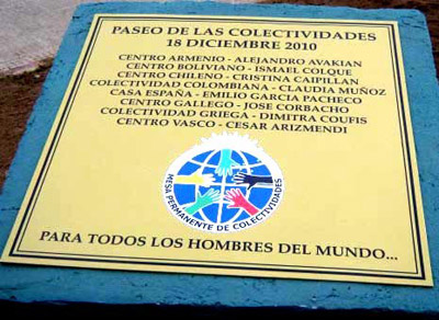 Rio Gallegoseko Gizataldeen Pasealekuan jarri zuten plaka oroigarria (argazkia RioGallegosEE)
