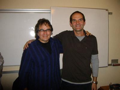 Ruper Ordorika kantaria (ezk) eta Karlos Cid-Abasolo (esk), 'EuskalComplu' kultur programaren saio batean (argazkia KCid-Abasolo)
