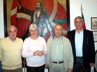 The delegation: Luis Maria Barrandeguy, Nelida Apesteguia, Felipe Eiheragibel and Enrique Otaño (photo EE)