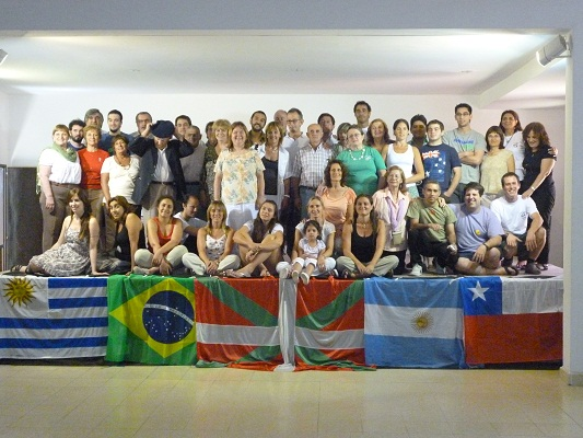 Participants in Tandil's Summer Barnetegi as part of the Euskara Munduan program (photo EuskalKultura.com)