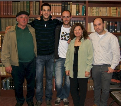 From left to right bertsolaris Johnny Curutchet, Julio Soto and Amets Arzallus, Edith Leni and Iñaki Lopez de Luzuriaga Standford's Basque language and culture teacher (photo SFBCC.us)