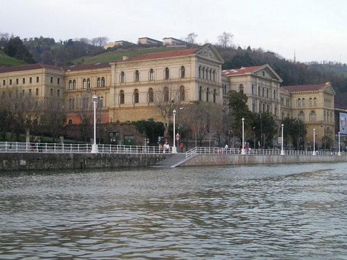 Deustuko Unibertsitatea, mende bat pasatxo Bizkaiko eta Euskal Herriko gizartean eragile (argazkia Debalde)