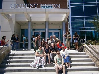 Boiseko barnetegian parte hartzen ari diren irakasleak eta arduradunak, Boise State University-ko kanpusean (argazkia HABE)