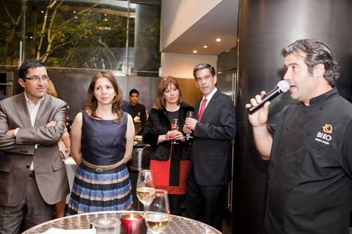 Basque Culinary Center-en (BCC) aurkezpena Mexiko hiriburuko Biko jatetxe ospetsuan egin zen, bertako Bruno Oteiza eta Mikel Alonso euskal chef-ak anfitrioi