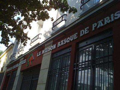Pariseko Euskal Etxea (argazkia www.guremunduak.com)