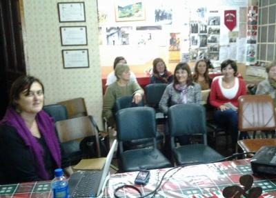 Mariana Fernandez Castellik Euskal Kultura Tailerra eman zuen Azulgo euskal etxean
