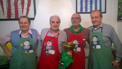Miercolinos elkarte gastronomikoko kideak: Jose Luis Aguirre, Luis Maria Barrandeguy, Raul  Bereciartua eta Claudio Esnal