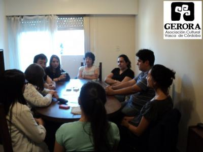 Students and professors that are members of Gerora in Cordoba at a Mintza Praktika – conversation practice at their new headquarters