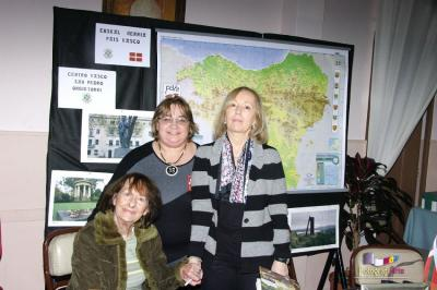 Susana Oroz, Monica Mindurry and Sylvia Iparraguirre at the Basque stand at the San Pedro Book Fair (photo Fotografiarte)