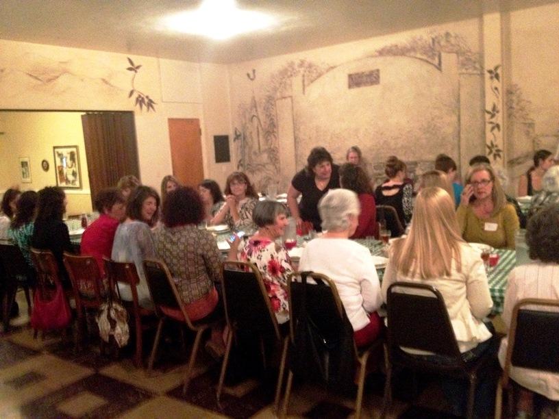 The 'Basque ladies' always celebrate their meetings in a nice atmosphere (Photo: Florence Larraneta Frye)
