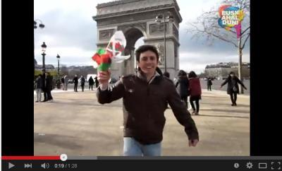Pariseko Eskual Etxeak argitaratu duen bideoaren irudi bat; bideoa bera, beheraxeago ikus dezakezue