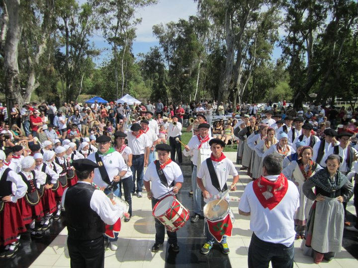 Basque performers ready to kick off the Fresno Basque picnic