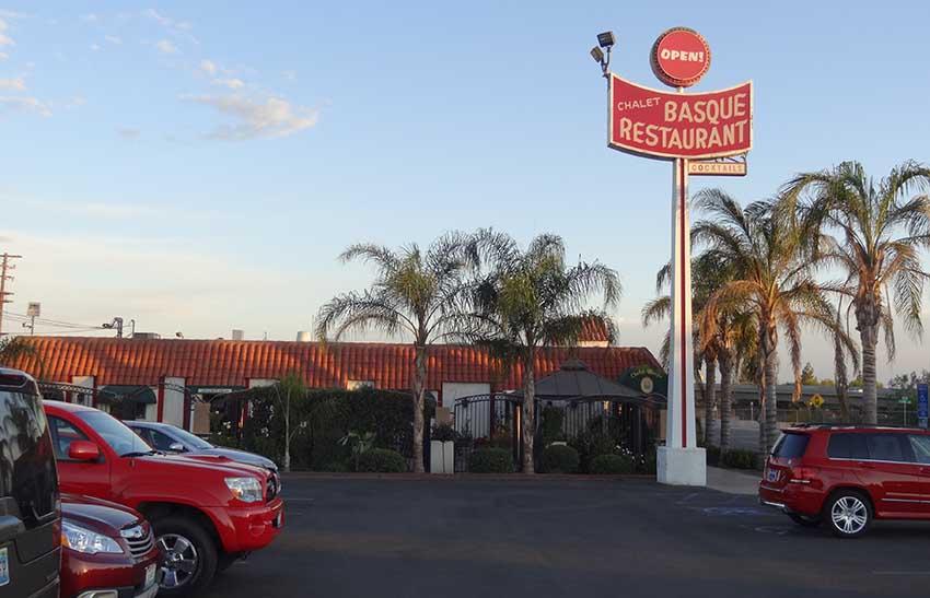 Chalet Basque Basque restaurant in Bakersfield, California (photo EuskalKultura.com)