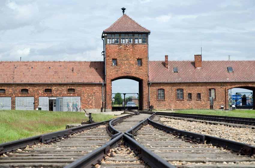 Auschwitz-eko Konzentrazio eta Suntsiketa Esparrua, Polonian (argazkia Cracovia.net)