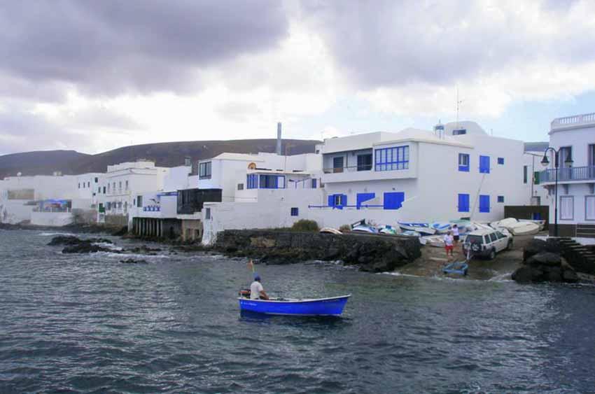 Arrieta, Lanzarote, Canary Islands (photo Panoramio.com)