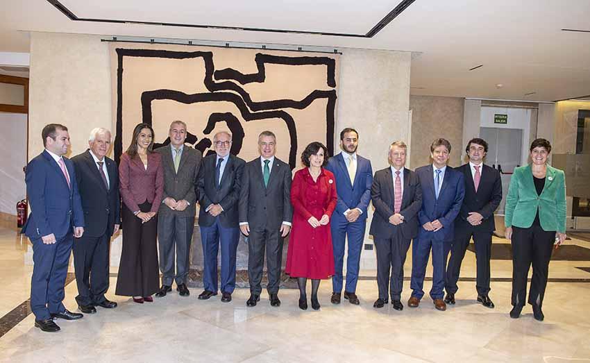 El lehendakari Urkullu con la delegación colombiana en Lehendakaritza