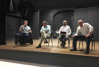Ezker-eskuin, Steven Gamboa, Charles R. Hale, Iker Arranz eta Juan Jose Ibarretxe (arg. Viola Giulia Miglio)